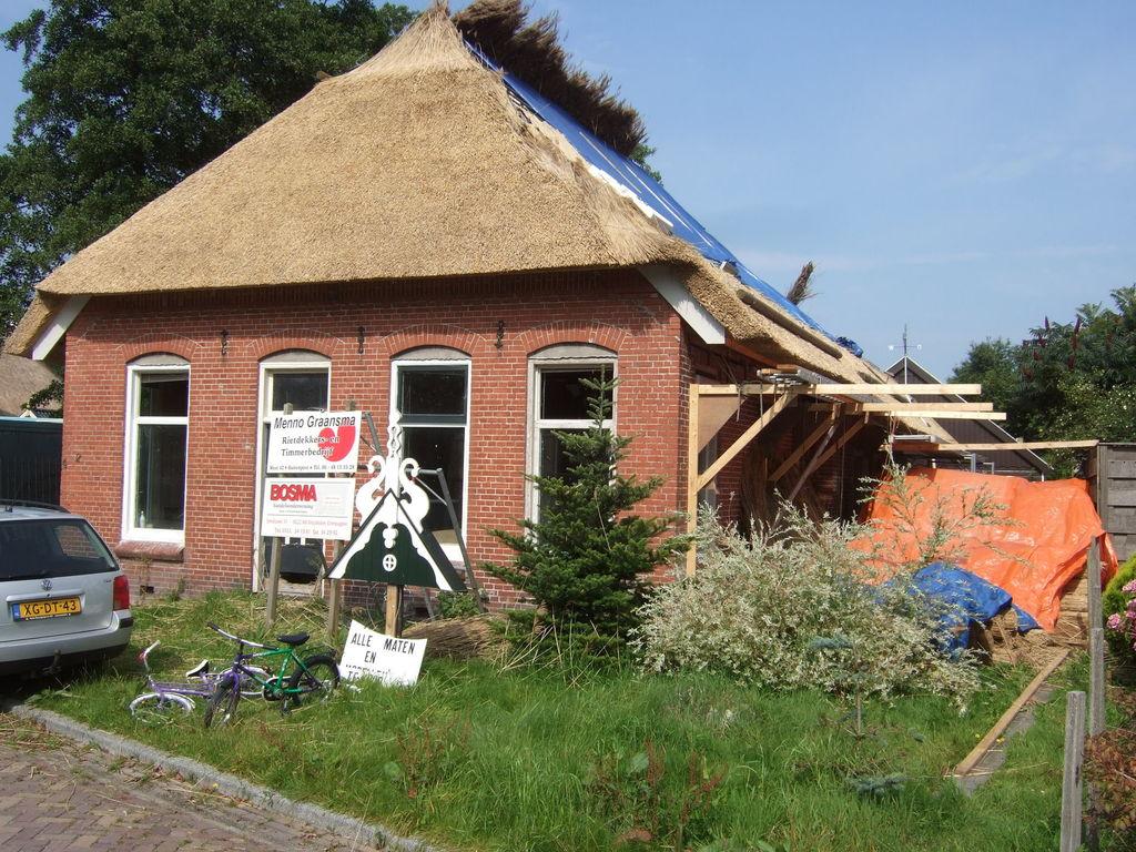 Dscf5746 Reetdachdecken Nach Buitenpost Jpg Reetdachdecken Nach